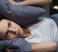 Хронически плохой ночной сон может привести к некачественной сексуальной жизни