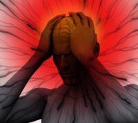 Мигрень связана с повышенным риском высокого кровяного давления во время климакса