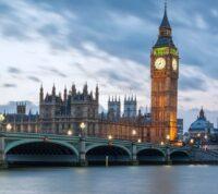 В Англии заражение на COVID-19 снизилось на 60%