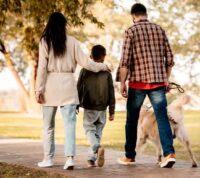 Присутствие детей влияет на сострадательную мотивацию и поведение взрослых