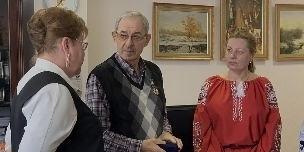 Президента фармкомпании «Экофарм» наградили орденом за благотворительные поставки «Протефлазида»