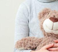 Чтобы понять безопасность вакцинации детей от COVID-19, ученые проводят испытания