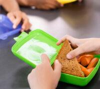Долгий обед более полезный для здоровья школьников
