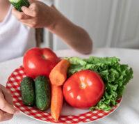 Нашли научный способ приучить детей есть больше овощей