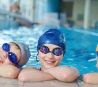 Плавание помогает детям улучшить словарный запас
