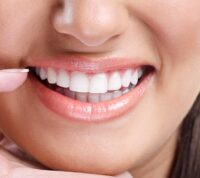 Ученые заявляют о вреде отбеливания зубов