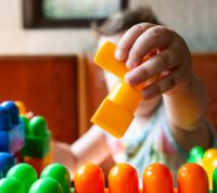 70% детских травм происходит из-за падения мебели и телевизоров