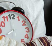 Дополнительное время на сон по выходным может снизить риск развития депрессии