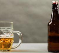 Ученые рассказали, как алкоголь влияет на заражение коронавирусом и течение болезни