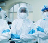 Медицинские работники чаще заражаются COVID-19 дома