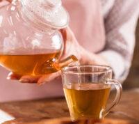 Употребление чая может повысить качество мозговой деятельности
