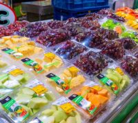Покупатели выберут здоровые продукты, если разместить их в «правильных» местах