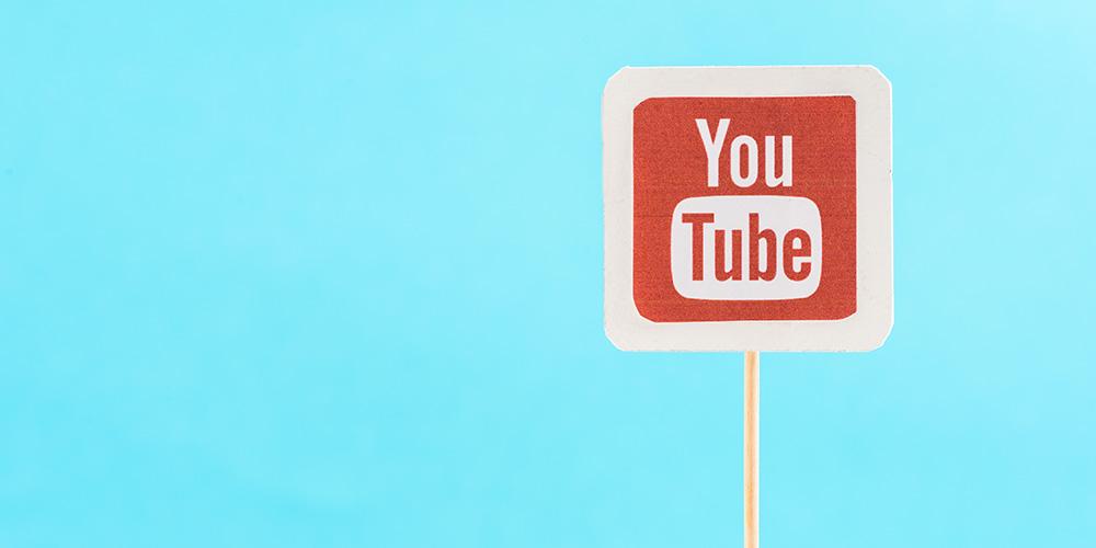 YouTube будет «подчищать» контент о вакцинах