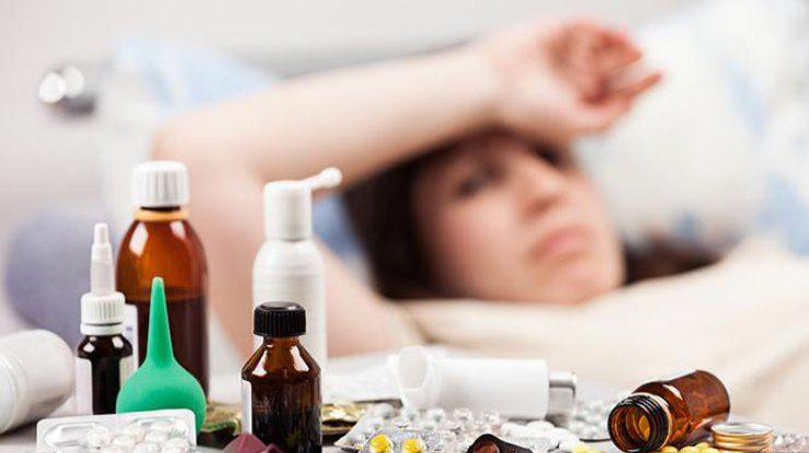 Пей, лежи, проветривай: как правильно ухаживать за собой и родными во время болезни гриппом
